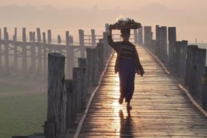 u-bein-bridge-mandalay-myanmar-bridge-dawn-person (1)